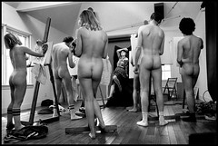 (jmoyer232) Tags: artistsstudio artseducation atelierdartiste breast buttocks chaussette contrastofsubject contrastedesujet dedos dessin drawing enseignementartistique etudiant faces femme25à45ans fesse groupofpeople groupe hamptonsles homme25à45ans humour insolite intérieur interior ironie irony man25to45years modelartists modèledartiste nudité nudity processed sein sock student thehamptons typehumainblanc unusual viewfromrear whitepeople woman25to45years newyork usa