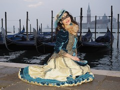 Venice carnival (Flavio Ciarafoni) Tags: flaviociarafoni flavio ciarafoni carnevale venice carnival veneziabesties bestoftheday cool crazy festa friend friends fun funtime funtimes goodtime goodtimeshappyinstaparty love memoriesvenezia streetstyle enjoy fashiongirl valigia viaggiare happyvenice igitalia italia holidays visititalia veneto italiainunoscatto photo photography square light urbantbt tflers passionpassport people fotovenezia sanmarcovenezia venicebynight visititaly travelingtheworld italianbeauties italiabella photos pic pics picture pictures snapshot art beautiful picoftheday photooftheday color allshots exposure composition focus capture momentvenezia igersveneto burano igersvenezia gondolatime gondola piazza san marco