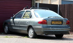 L170 DVU (3) (Nivek.Old.Gold) Tags: 1993 ford mondeo 18 16v lx 5door teridec painting decorating stives
