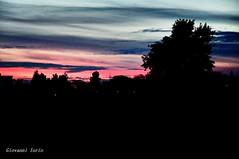 Buona notte (ioriogiovanni10) Tags: d90 nikon buonaserata goodnight buonanotte 2018 capitale roma cielorosso città rome gennaio nuvole clouds panorama cielo rosso redsun sun sunset tramonto