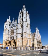 Catedral de Leon / Leon Cathedral (López Pablo) Tags: cathedral church religion building leon spain nikon d7200
