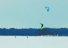 winter sport DSCN2561 (dodochampo) Tags: lac lake winter ice hiver neige glace sport