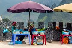 Průsmyk Ma Pi Leng (zcesty) Tags: vietnam23 stánek prodavač domorodci vietnam mapileng dosvěta hàgiang vn