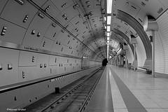 U-Bahnhof Kaiser Wilhelm Park (wernkro) Tags: ubahnhof underground kaiserwilhelmpark krokor blackwhite sw essen schienen gleise