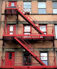 New York Fire Escape (PeterCH51) Tags: usa us newyork ny newyorkcity nyc manhattan city fire escape fireescape firestairs stairs fireladders brick red steel peterch51 america