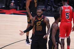 LeBron James vs. The Chicago Bulls (Symbiosis) Tags: lebronjames lebron kingjames clevelandcavaliers nbanationalbasketballassociation chicagobulls unitedcenter basketball professionalbasketball denzelvalentine chicagoil