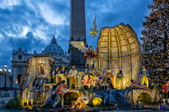 "piazza San Pietro, Natale 2017 • <a style=""font-size:0.8em;"" href=""http://www.flickr.com/photos/89679026@N00/24492299017/"" target=""_blank"">View on Flickr</a>"