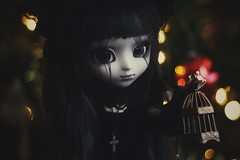 (hauntiing) Tags: pullip laura goth dark