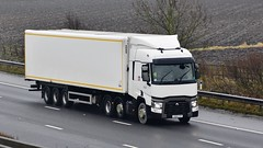 LK65 CYF (Martin's Online Photography) Tags: renault series t truck wagon haulage lorry vehicle freight commercial transport m62 sandholme eastyorkshire nikon nikond7200