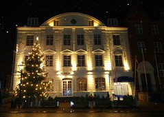 The Palads Hotel in Viborg (Jaedde & Sis) Tags: christmas viborg hotel building light snow pregamewinner