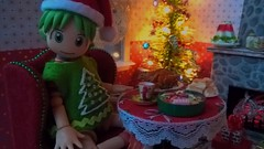 A Merry Mini Christmas (Naralna) Tags: diydollhouse christmasdiorama yotsuba recycling cardboarddollhouse miniaturefood
