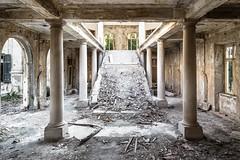 (ilConte) Tags: kupari grandhotel croatia croazia hrvatska architettura architecture architektur decay abbandono abandoned