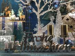 Merry Christmas to you All (Sockenhummel) Tags: schaufenster weihnachten froheweihnachten display window berlin kudamm appleiphone6s dekoration christmas weihnachtsgrus