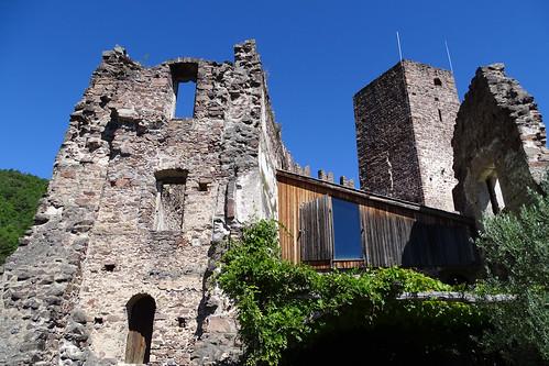 Die alten Türme der Burg Hocheppan