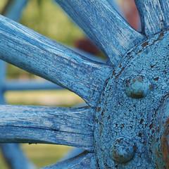 Blue Wagon Wheel (jtr27) Tags: sdq2469x jtr27 sigma sd quattro sdq foveon 50mm f28 ex dg macro manualfocus wagon wheel craquelure square weathered peelingpaint