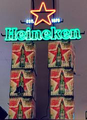 Star of Heineken (earthdog) Tags: 2017 androidapp googlepixel pixel cameraphone moblog word neon light shopping store grocerystore safeway product beer star