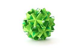 Kusudama (ronatka) Tags: kusudama modularorigami mashaathanasiadi rectangle green whitebackground ef50mmf18stm