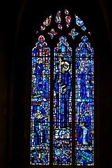 Perrecy-les-Forges (71) : vitrail de Saint Benoît (odile.cognard.guinot) Tags: vitrail bourgogne bourgognefranchecomté saôneetloire saintbenoït églisesaintpierreetsaintbenoît