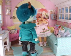 The Christmas Miracle #9 (Arthoniel) Tags: namarie howl latidoll lati latiyellow haru green tan sunny christmas doll bjd balljointeddoll miniature tiny collection toy figure nereapozo keera diorama ooak 18 scale squirrel nutkin rement resin nomyens faceup cat dollhouse roombox house