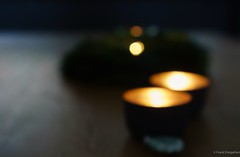 Dear Flickr friends, I wish you all peaceful and contemplative Christmas. Keep up the good spirit! (frankdorgathen) Tags: christmaswreath blur light dark warm tealight candle wood home indoor winter