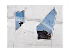 Asymmetrie (dolorix) Tags: dolorix köln cologne architektur architecture fenster window asymmetrie asymmetry