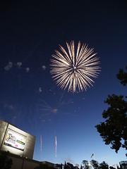 canberra NYE celebrations 2018 - (bill doyle [mobile]) Tags: act civic canberra display canberratripdec17jan18 fireworks celebration billdoyle pyrotechnics nye2018 australiancapitalterritory nye australia city newyearseve2018 newyearseve