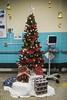 2017-12-16 10.57.21 (Jacques Lebleu) Tags: christmas tree holyday gift wrap perfusion star hospital sacrécoeur crèche manger ornementation terrazzo bells garland boules noël