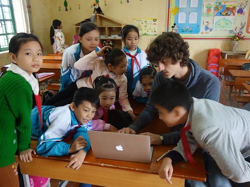 Les pelicopains vietnamiens ont adoré regarder vos reportages.