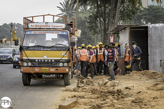 Just unloaded (Frankhuizen Photography) Tags: just unloaded construction workers stoep sidewalk voetgangers pedestrians bangalore bengaluru karnataka india straat streetlife photography fotografie kleur color colour 2017 candid ngr road people local traffic rushhour pavement city tree car bouwvakkers