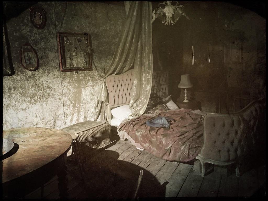The world 39 s best photos of dollhouse and puppenhaus - Steampunk bett ...