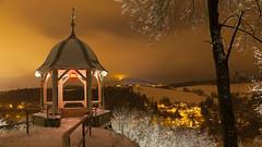"""Des Abends am dekorierten Buchholzer Türmel (Ausguck) mit Blick ins etwas verschneite Sehmatal mit illuminierten Häusern, Erzgebirge • <a style=""""font-size:0.8em;"""" href=""""http://www.flickr.com/photos/91814557@N03/27789216069/"""" target=""""_blank"""">View on Flickr</a>"""