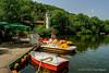 Pantano en el parque de descanso (T.I.G. Foto Digital) Tags: agua pantanos parque nikon d3000 bulgaria pleven atracciones barcas sitiodepaseoyrelaj paseo parquedeatracciones jentedescansando alegria finesdesemana