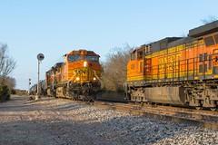 BNSF Kingston, OK (jtrainb) Tags: bnsf hhoutul130 htultea102 kingston madillsub oklahoma railroads signal meet searchlight siding hhoutul101
