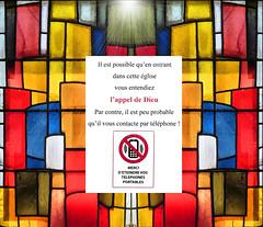 Il est possible ... (et authentique, je n'invente rien) (Docaron) Tags: dominiquecaron france bretagne brest église églisestlouis vitrail humour portable téléphone