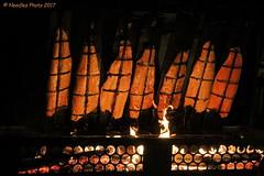 Flammlachs - Salmon (Noodles Photo) Tags: flammlachs salmon food essen fisch fish feuer fire weihnachtsmarkt weihnachten düsseldorf benrath schlossbenrath christmasmarket christmas xmas canoneos7dmarkii ef24105mmf4lisusm deutschland germany nrw lecker yummy