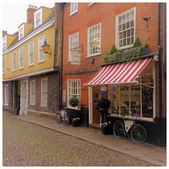 A street in Norwich (mibric) Tags: norwich england angleterre street rue maison house pavé cobbled