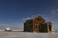 Still standing (Len Langevin) Tags: abandoned old house home farm weatheredwood derelict prairie winter rural decay alberta canada nikon d7100 tokina 1224