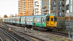 455841 (JOHN BRACE) Tags: 1982 brel york built class 455 emu 455841 seen east croydon station southern livery