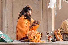 Sadhu ...Varanasi India 2017 (geolis06) Tags: geolis06 asia asie inde india uttarpradesh varanasi benares gange ganga ghat inde2017 olympus hindu hindou religieux religious sage sadhu