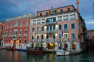 Lovely Night For a Quiet Caffè, Venice