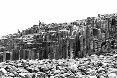 UK - Northern Ireland - Giant's Causeway (Marcial Bernabeu) Tags: reino unido gran bretaña reinounido granbretaña northern ireland irish irlanda norte giant causeway calzada gigante formacion formación rocosa roca rocas rocks monocromo monochrome marcial bernabeu bernabéu coast costa