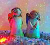 Zwei Engel auf dem Vulkan (magritknapp) Tags: zweitonengel gummiglitter glassplitter twotonangel rubber glitter glass splinters deuxlangues paillettesdecaoutchouc diviseurdeverre brillo de goma con astillas vidrio doslenguas doisanjosdaargila borrachaglitter fragmentosdevidro duelingue glitterdigomma vetrocamera tweetongen rubberglitter glasscherven bokeh makro