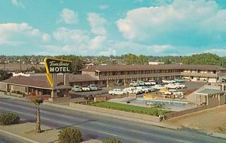 Town House Motel Postcard - Bakersfield, Calif.
