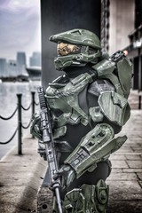 "Master Chief John 117 from Halo 4. Costume made from scratch from EVA foam. ""Finish the fight"" #halo #masterchief #xbox #microsoft #game #character #costume #cosplay #cosplayer #costumer #actor #game #gamer #reach #covenant #master #chief #spartan #343 (iconicheroiccostumes) Tags: halo masterchief xbox microsoft game character costume cosplay cosplayer costumer actor gamer reach covenant master chief spartan 343"