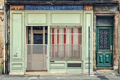 Bordeaux - septembre 2017 (Isa-belle33) Tags: architecture urban urbain city ville shop boutique storefront devanture old ancien door porte window fenêtre fujifilm colors couleurs green vert