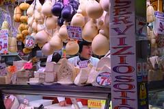 Marché couvert, Porta Palazzo (RarOiseau) Tags: inexplore italie piémont turin ville marché alimentation intérieur europeonflickr eu v2500