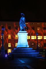 Statua króla Gustawa II Adolfa (magro_kr) Tags: göteborg goteborg goeteborg gothenburg szwecja sweden sverige västragötaland vastragotaland pomnik statua rzeźba światło swiatlo noc monument statue sculpture light night