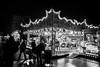 356 de 365photos Por León (pico_de_la_miel) Tags: porleón tiovivo luces caballitos feria cacharritos proyecto365photos2017 atracciones juegosinfantiles noche byn blancoynegro brancoepreto blackandwhite