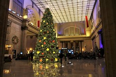 Chicago Union Station (rjgabor) Tags: building architecture union station chicago il christmas tree decorations