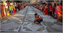 7484 - Kolam contest, Mylapore 2018 (chandrasekaran a 44 lakhs views Thanks to all) Tags: india tamilnadu chennai mylapore culture heritage festivals tradition kolam travel competition pongal canon canoneos6dmarkii tamronef28300mm